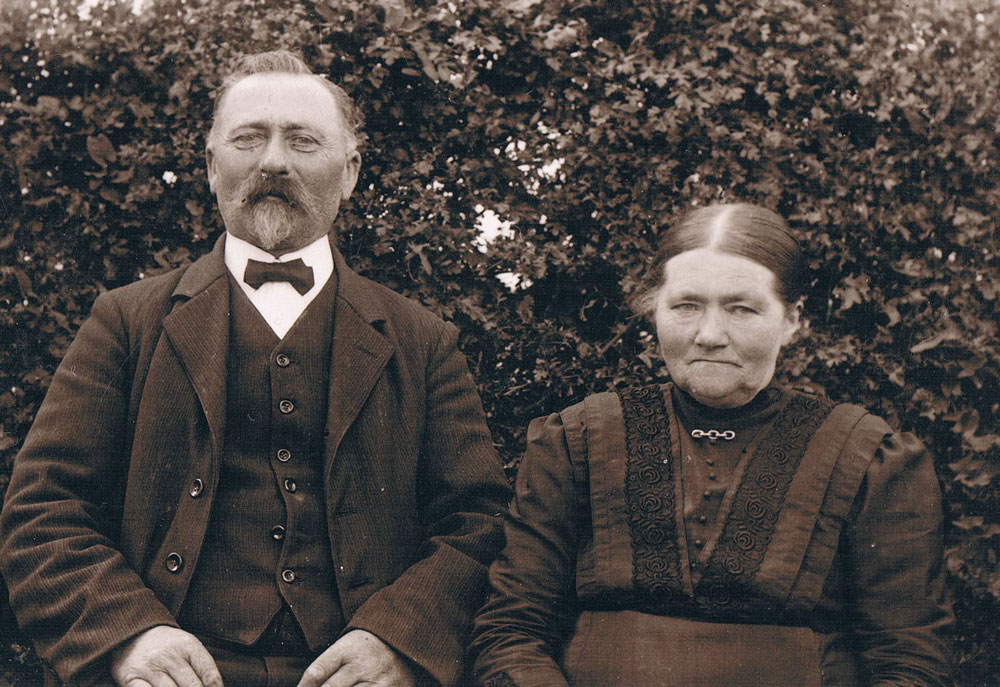 Christian Holm (1864-1951) and Anna Larsen (1860-1952)