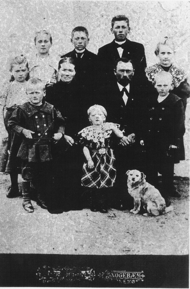 Holm family 1904