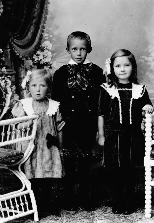 Lydia, Peter and Magda Birkholm as children