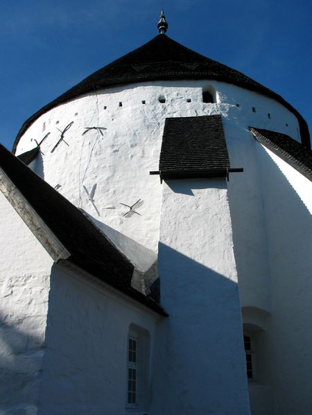 Østerlars round church